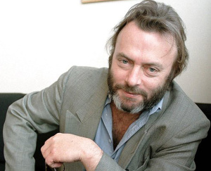 02/11/1999 - NYK04: SPECIAL, NEW YORK, 11/FEB/99 - British journalist Christopher Hitchens in his publisher's office in Manhattan on February 11. Special number: 048188 pm/Photo by HELAYNE SEIDMAN FTWP. 02129Y02.IPT